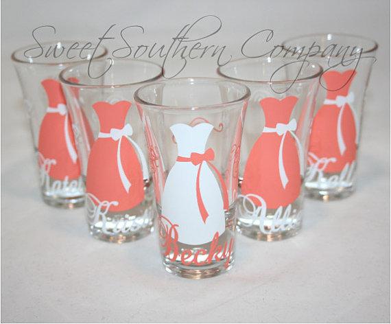 Свадьба - 10 Personalized Bridesmaid and Groomsmen Shot Glasses