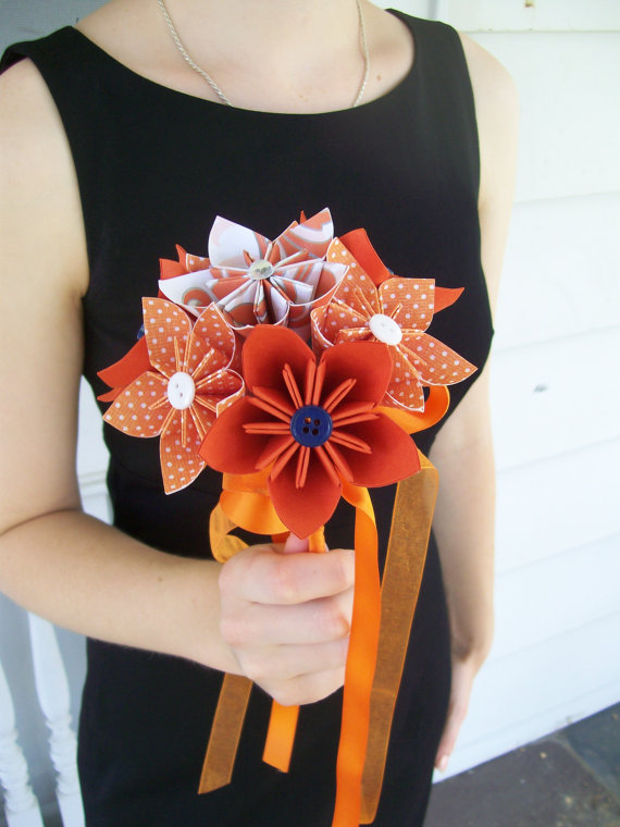 Hochzeit - Paper Flower Nosegay - Toss Bouquet - Kusudama Origami - Made to Order in Your Colors