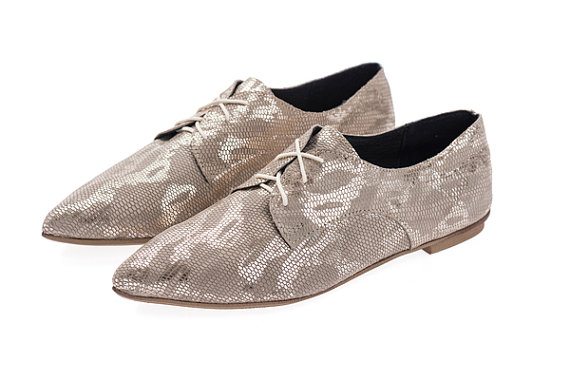 Свадьба - Sale 50% off Flat oxford shoes - shiny snake skin pattern flats women shoes - outdoors wedding shoes - handmade by ImeldaShoes
