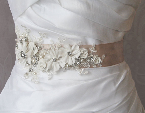 Mariage - Champagne and Ivory Sash, Bridal Sash, Wedding Belt, Rhinestone and Pearl Flower Sash with Lace - GEORGETTE
