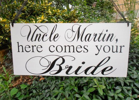 Hochzeit - Uncle here comes your bride Wood Sign Decoration Here comes the bride sign Ring bearer Flower girl