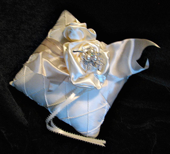 Mariage - Ring Bearers Pillow  matches brooch bouquets, ivory satin, brooch wedding bouquet, ,crystal, rhinestones