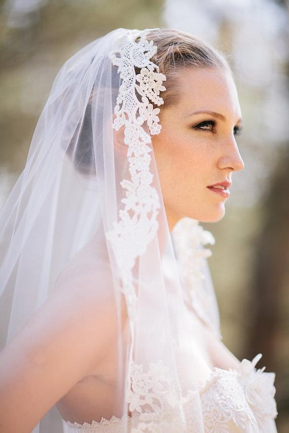 Свадьба - Sale, Grace -  Ivory Lace Mantilla Veil, 248