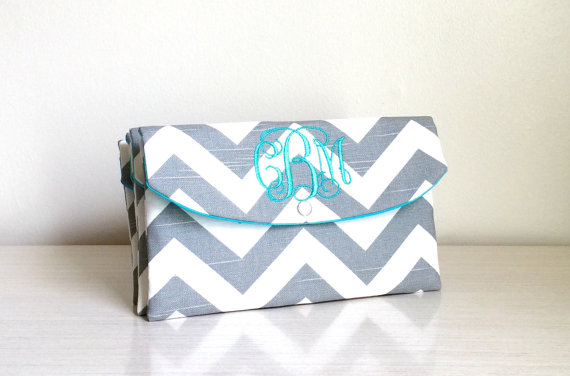 Mariage - Monogrammed Chevron clutch-bridal accessories/Wedding Clutch/gift idea/bachelorette party gifts/baby shower gift/beach wedding gifts
