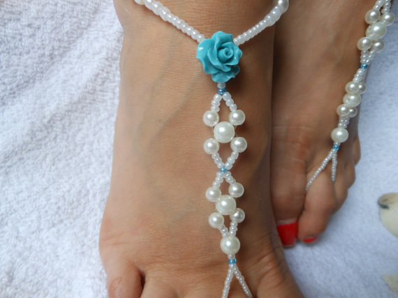 Mariage - Barefoot Sandals Beach Wedding   Yoga Shoes Foot Jewelry  White Beads and Turquoise Flowers