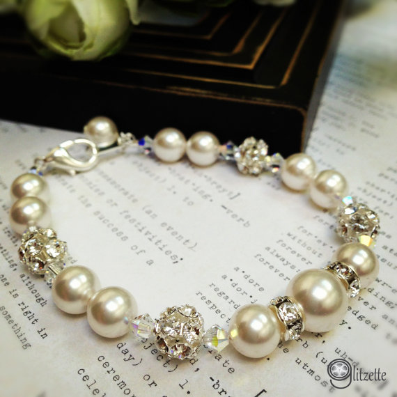 Mariage - Wedding Bracelet, Bridal Pearl Bracelet, Bridal Jewelry, Bridesmaid Bracelet, Mother of the Bride Gift, Gift For Her, Christmas Gift