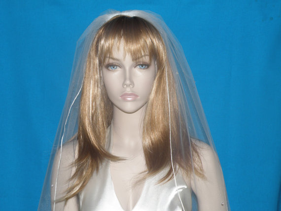 Mariage - Wedding veil - 30 inch waist length bridal veil with a finished edge and scattered crystals