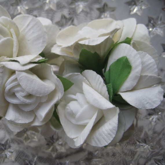 Mariage - Paper Millinery Flowers 12 White Gardenias Blossoms