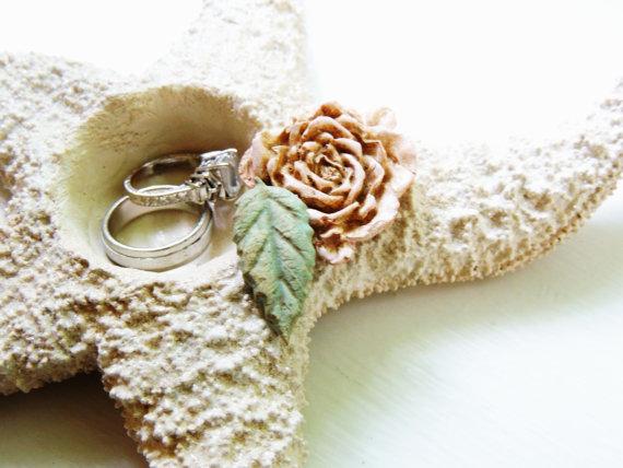 Свадьба - Starfish Ring Bearer Ring Pillow Beach Wedding Ring Holder Pillow Alternative Bowl Dish Plate Unique
