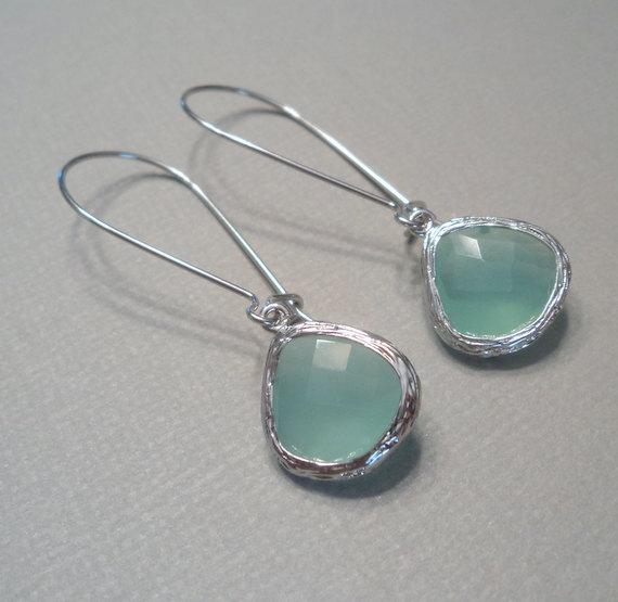 زفاف - Mint aqua chalcedony aquamarine glass and silver dangle tear shape earrings.  Bridal earrings.  Bridesmaids earrings.  Wedding jewelry.