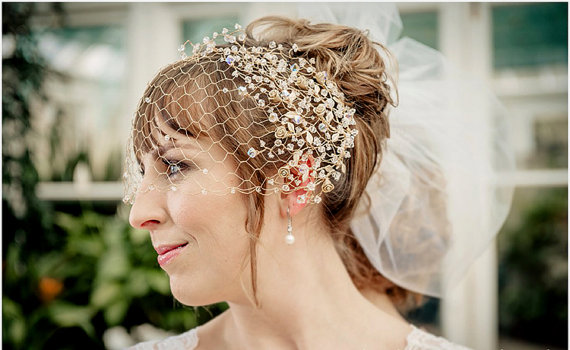 Свадьба - WEDDING VEIL  MALWA – bridal Gold filled birdcage veil with gold plated spray roses and Swarovski crystals, made to order