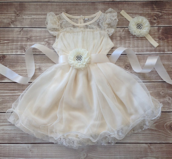 Mariage - Flower girl dress ivory, lace dress, ivory dress, vintage inspire, lace toddler dress, flower  girl dress, lace dress with sash and headband
