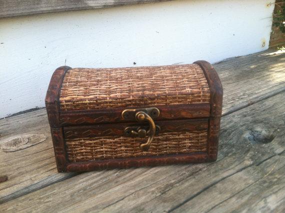 زفاف - Rustic wedding ring box, nautical beach side wedding, ring pillow alternative, country wedding