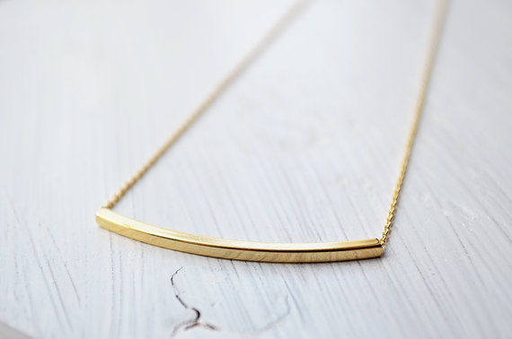 Свадьба - Curved bar pendant necklace in gold, Bridesmaid jewelry, Everyday necklace, Wedding necklace