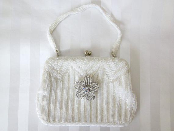 Свадьба - Vintage White & AB crystal Beaded Wedding hand bag clutch Purse