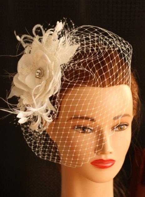 Hochzeit - BIRDCAGE VEIL vintage style wedding headdress. Ivory, champagne  wedding hat,bridal hat. Amazing fascinator, hair flower, feathers.