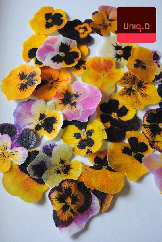 Mariage - 30 yellow lavender edible pansy flowers - edible flower -  wedding cake toppers - wedding favor - edible cupcake toppers by Uniqdots on Etsy