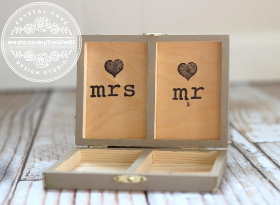 shabby chic rustic ring bearer box gift personalized rustic wedding ring box sign burlap flowers. Black Bedroom Furniture Sets. Home Design Ideas