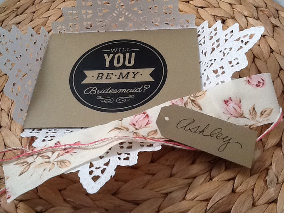 Mariage - Will You Be My Bridesmaid - Paper Lace Doily - Invitation Reveal - Maid of Honor - Wedding Invitation -Ask Bridesmaid Card