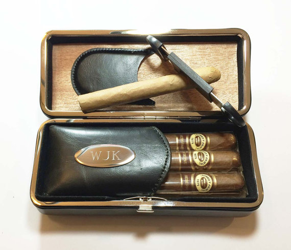 Свадьба - Personalized Engraved Cigar Case & Cigar Cutter -Groomsman , Groomsmen gift -Gift for him , for men