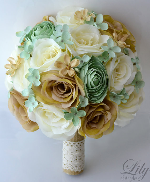 """Свадьба - 17 Piece Package Wedding Bridal Bride Maid Of Honor Bridesmaid Bouquet Boutonniere Corsage Silk Flower MINT CREAM BURLAP """"Lily of Angeles"""""""