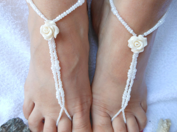 Свадьба - Barefoot Sandals Beach Wedding   Yoga Shoes Foot Jewelry  White Beads and Ivory Rose