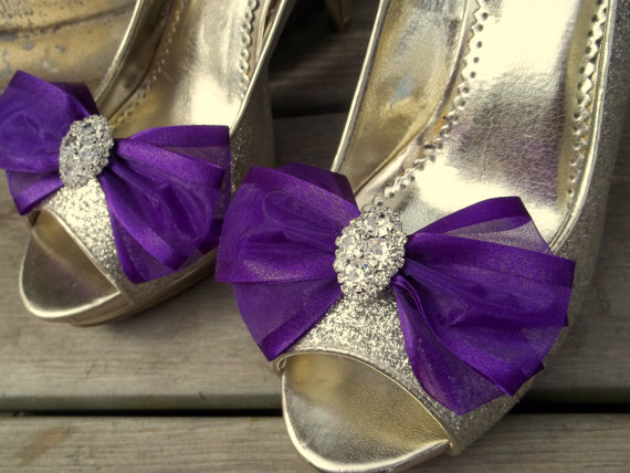 Свадьба - Shoe Clips, Wedding Shoe Clips, Bridal Shoe Clips, Organza Shoe Clips, Bridal Accessories, Regal Purple, Many Colors, Shoe Clips Only