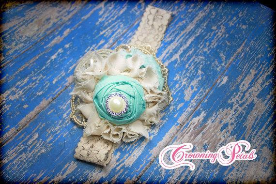 Свадьба - Mint, Ivory, Burlap Hair Accessory, Aqua Headband, Fabric Flower Hair Clip, Bridesmaid hair piece, wedding hair accessories, Shabby Chic,
