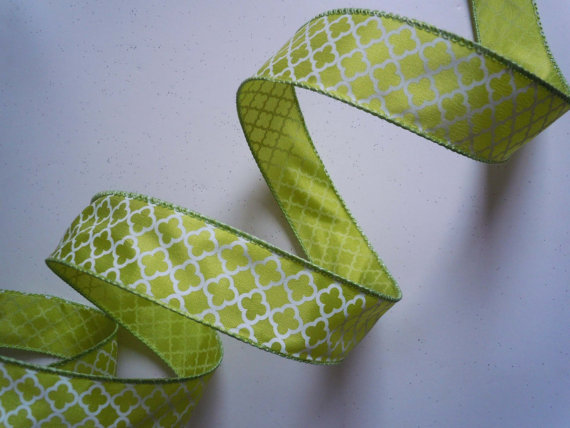 """Wedding - Wired Ribbon Lime Green White Quatrefoil White Quatrefoil on Green 1.5"""" 5yd - Easter Bow Scrapbooking Wedding decorations Shower Party Decor"""