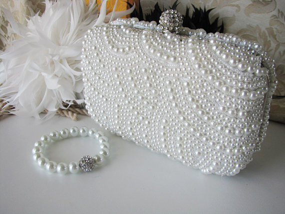 Свадьба - Wedding Bag Clutch Formal Evening Bag with Faux pearl and Matching Bracelet