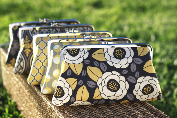 Свадьба - Yellow and Grey Bridesmaids Clutches / Mustard Wedding Purses / Rustic Style Bridesmaid Clutches -- Set of 5