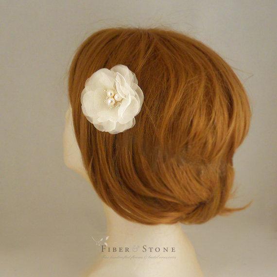 Nozze - Pure Silk, Bridal Hair Flower Clip, Freshwater Pearl, Summer Wedding Hair Piece, Bridal Hair Accessories, Ivory Wedding Hair Flower, Classic