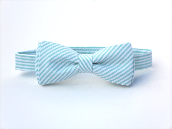 Свадьба - Mint bow tie for boys, ring bearer bow tie, mens mint bow tie, boys mint bow tie, groomsmen bow tie, wedding bow tie, toddler wedding outfit