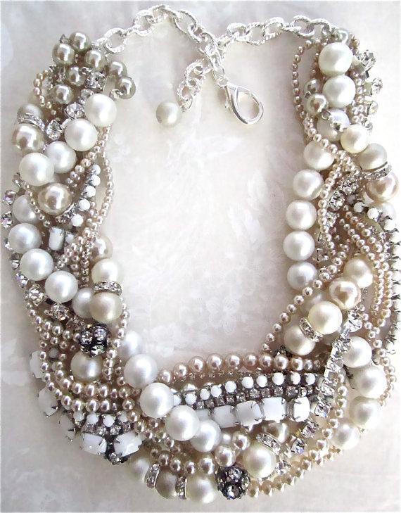 زفاف - Chunky Pearl Rhinestone Necklace Made To Order White Bridal Statement Champagne Pearls Wedding Jewelry Vintage Milk Glass Tom Binns Inspired