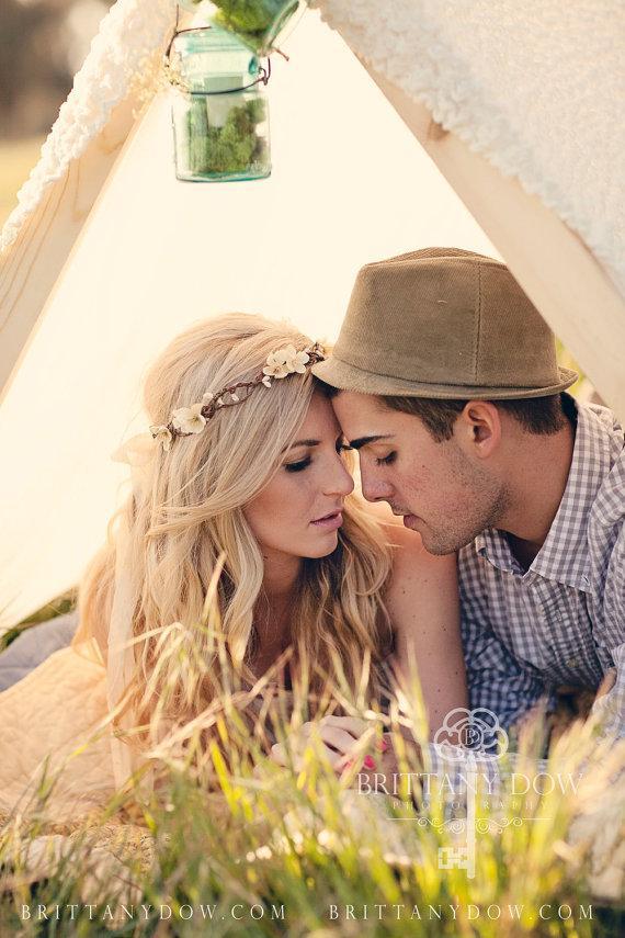 Свадьба - Flower Crown, Ivory Wedding Flower Headband, hair flower, fairy wedding hair, hair accessory, flower girl - ANABELLE - by DeLoop