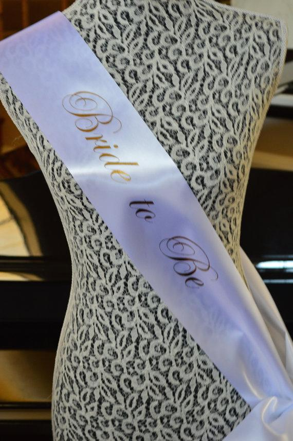 Свадьба - Bride to Be Sash: FREE Shipping New Orleans,adjustable cute bow, silver, gold, wedding, bridal, bachelorette party, bridesmaid, tie, sash