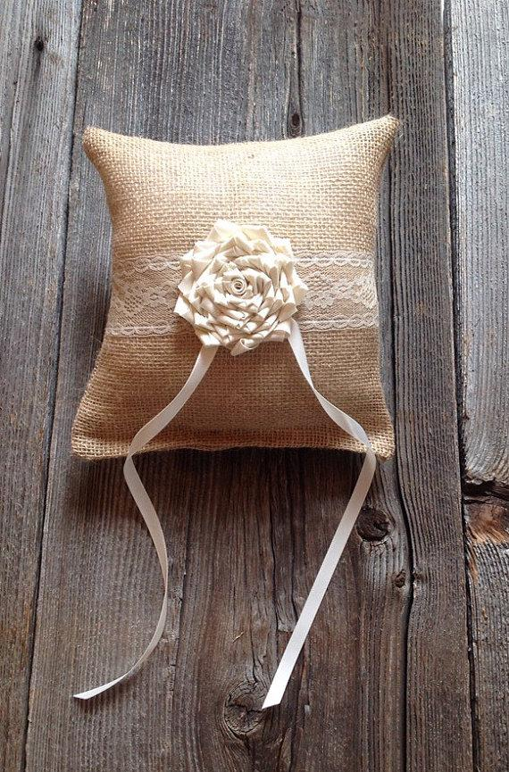 Hochzeit - Ivory Burlap Ring Bearer Pillow, Ring Pillow, Rings, Ring Cushion, Burlap Wedding, Burlap Ring Bearer Pillow, Burlap Lace Ring Bearer Pillow