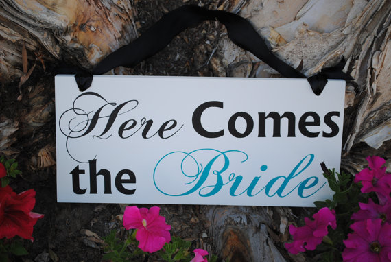 زفاف - Wedding Sign Here Comes the Bride double sided Thank You Sign  Custom Wood Signs