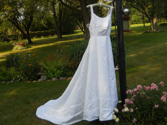 Sale oleg cassini size 12 designer formal white for Silver wedding dresses for sale
