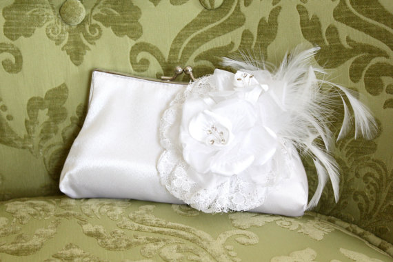 Свадьба - White Bridal Clutch, Vintage Style Satin Bridal Clutch, Wedding Clutch Purse with Rose, Feathers, and Crystals