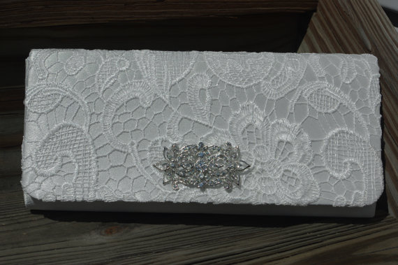 Свадьба - Bridal Clutch - White Lace Satin and Pearl Clutch, Wedding Clutch White Pearl Handbag - Crystal Clutch Bridal Handbag - Lace Wedding Handbag