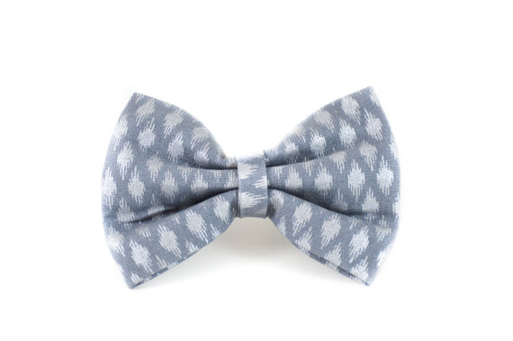 Свадьба - Pewter Ikat Dog Bow Tie - Silver Geometric Grey Detachable Wedding Formal Dog Bow Tie