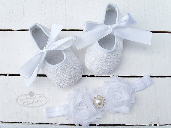 Свадьба - Baby White Lace Shoes and headband set,Baby Shoes,Christening, Baptism, Wedding,Crib Shoes ,Girl shoes,Pink Shoes,baby soft sole shoes
