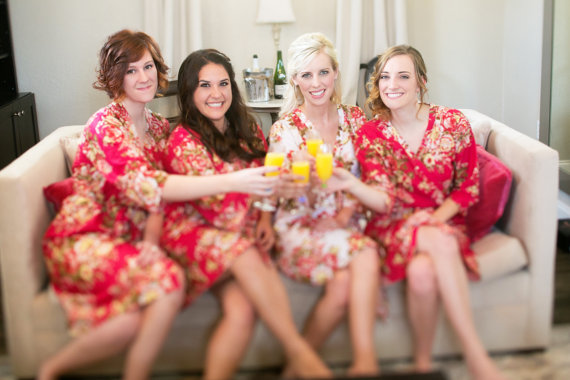 Mariage - Red Bridesmaids Robe Sets Kimono Crossover Robe Spa Wrap Perfect bridesmaids gift, getting ready robes, Weddingl shower party favors