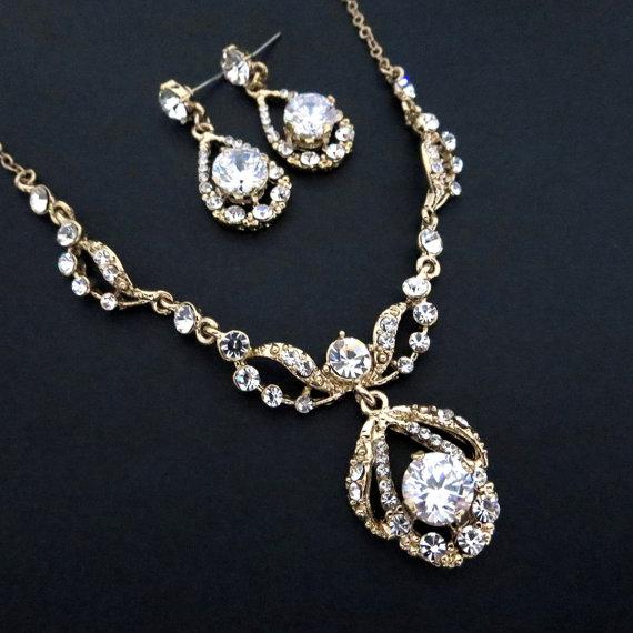 Mariage - Gold Wedding jewelry SET, Gold Rhinestone necklace and earrings, Bridal jewelry set, Crystal necklace, Crystal earrings