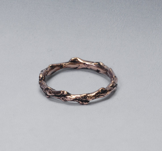 Свадьба - Solid Gold Twig Ring Size 6 Wedding Band in 14k Yellow Gold, Twig Jewelry, Organic Woodland  Nature Ring, Cedar Branch Ring of Recycled Gold