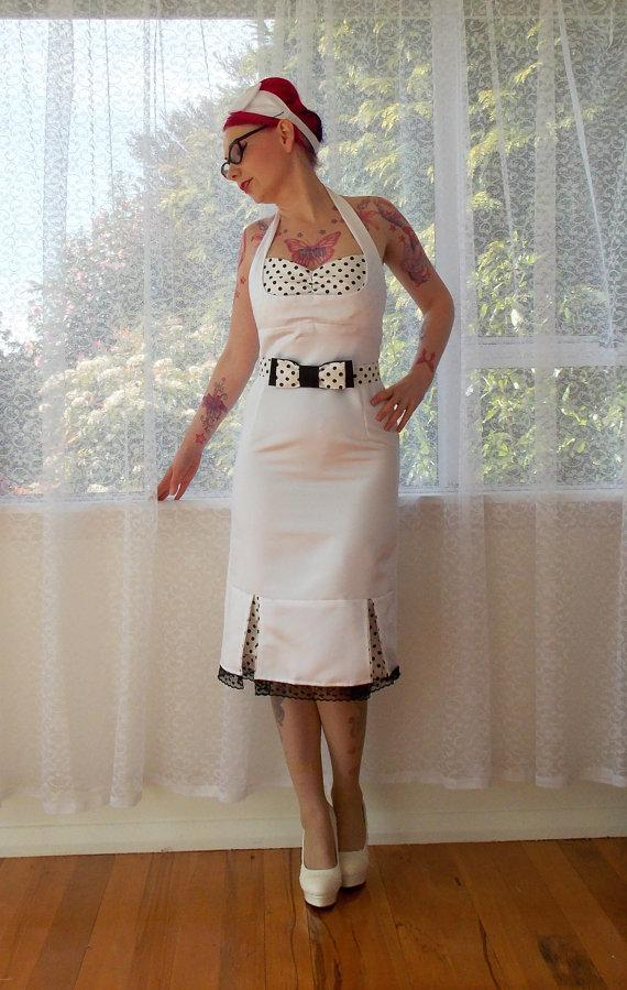 "Свадьба - 1950s ""Bridget"" Pin up White Wiggle Halterneck Wedding Dress with Polka Dot Kick Pleats and Belt - Custom made to fit"