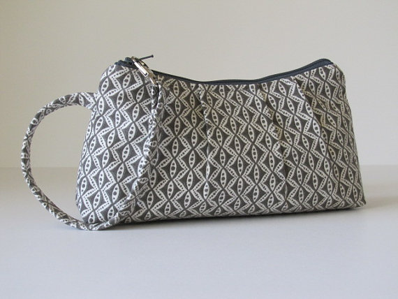 Свадьба - Wristlet Clutch Zipper Pouch, Bridesmaid Gift, Bridesmaid Clutch, Gray Wedding, Gift for Her -Charcoal Motif
