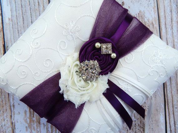 Mariage - Ring Bearer Pillow  / Plum Ring Bearer Pillow / YOU DESIGN /  Ring Bearer Pillow / Deep plum Wedding pillow
