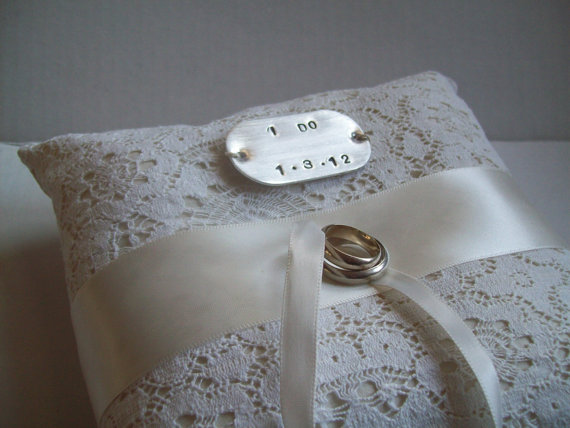 Mariage - CUSTOM ring pillow